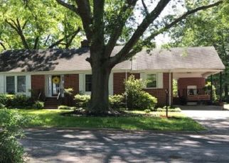Foreclosed Home in Louisburg 27549 W NOBLE ST - Property ID: 4443613821