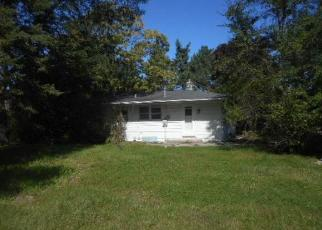 Foreclosed Home in Menomonee Falls 53051 COMMUNITY DR - Property ID: 4443630907