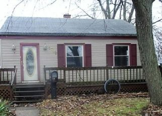 Foreclosed Home in Beloit 53511 GLEN ELLYN AVE - Property ID: 4443845950