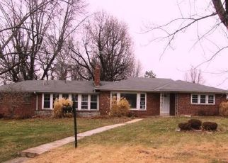 Foreclosed Home in Saint Louis 63121 SIGNAL HILL DR - Property ID: 4443932662