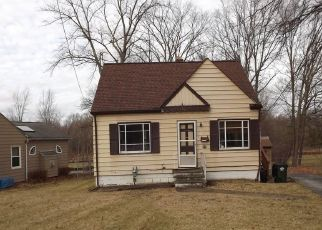 Foreclosed Home in Westlake 44145 CENTER RIDGE RD - Property ID: 4443963767