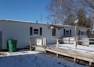 Foreclosed Home in Pinconning 48650 N MACKINAW RD - Property ID: 4444028129