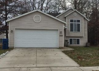 Foreclosed Home in Greenville 48838 SPRUCEWOOD DR - Property ID: 4444029448