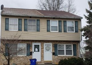 Foreclosed Home in Hagerstown 21740 OAK ST - Property ID: 4444053992