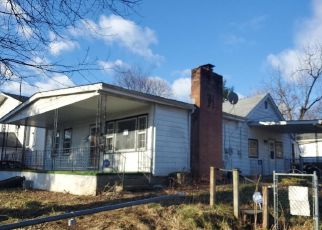 Foreclosed Home in Hagerstown 21740 KUHN AVE - Property ID: 4444079826