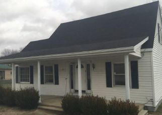 Foreclosed Home in Crab Orchard 40419 WALNUT ST - Property ID: 4444087257