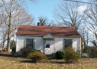 Foreclosed Home in Brookneal 24528 CHURCH ST - Property ID: 4444091200