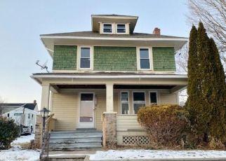Foreclosed Home in Bridgeport 06606 BIRMINGHAM ST - Property ID: 4444244946