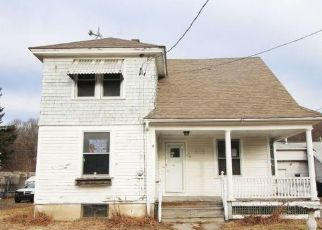Foreclosed Home in Waterbury 06708 HUNTINGDON PL - Property ID: 4444284799