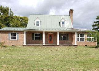 Foreclosed Home in Callao 22435 HARRYHOGAN RD - Property ID: 4444301434