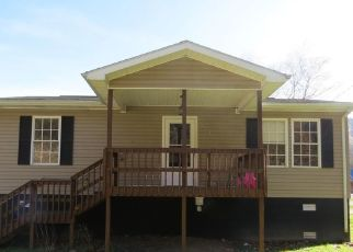 Foreclosed Home in Evarts 40828 ELM ST - Property ID: 4444327270