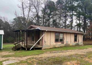Foreclosed Home in Gladewater 75647 N POINT PLEASANT RD - Property ID: 4444390786