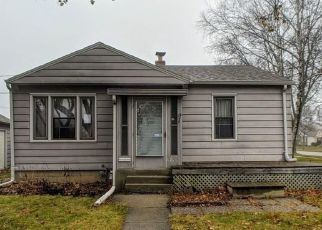 Foreclosed Home in Milwaukee 53222 W TOWNSEND ST - Property ID: 4444406996