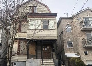 Foreclosed Home in Newark 07108 SEYMOUR AVE - Property ID: 4444510794