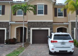 Foreclosed Home in West Palm Beach 33417 BREWSTER LN - Property ID: 4444577801