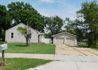 Foreclosed Home in Hutchinson 67502 N WALDRON ST - Property ID: 4444860285
