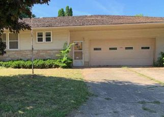 Foreclosed Home in Monona 52159 DULL ST - Property ID: 4444871683