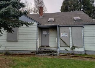 Foreclosed Home in Roseburg 97471 W RAINBOW ST - Property ID: 4445057823