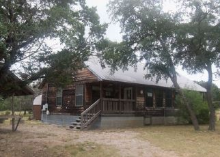 Foreclosed Home in Uvalde 78801 WHITE TAIL RUN - Property ID: 4445080594