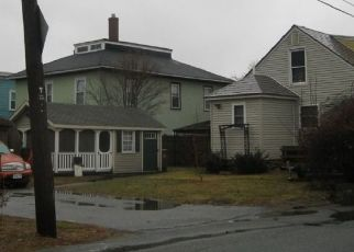 Foreclosed Home in Lowell 01850 W 6TH ST - Property ID: 4445167299