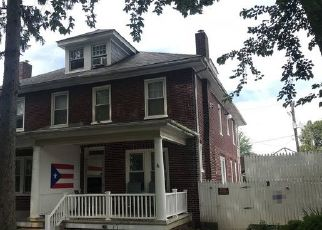 Foreclosed Home in Lancaster 17603 RACE AVE - Property ID: 4445259732