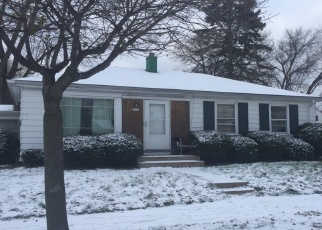 Foreclosed Home in Milwaukee 53218 W VILLARD AVE - Property ID: 4445425720