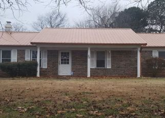 Foreclosed Home in Jackson 38305 BEINVILLE ST - Property ID: 4445452430