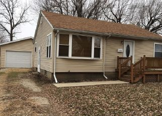 Foreclosed Home in Dixon 61021 N DEMENT AVE - Property ID: 4445542207