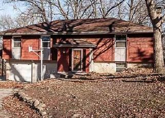 Foreclosed Home in Topeka 66605 SE 37TH ST - Property ID: 4445567171