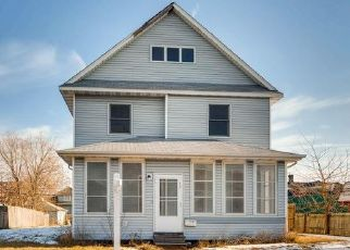 Foreclosed Home in Minneapolis 55407 PORTLAND AVE - Property ID: 4445646449