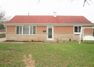 Foreclosed Home in Greenwood 46143 PARK DR - Property ID: 4445676676