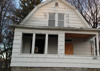 Foreclosed Home in Peoria 61603 SPITZNAGLE AVE - Property ID: 4445678418