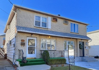 Foreclosed Home in Brooklyn 11234 E 70TH ST - Property ID: 4445780918