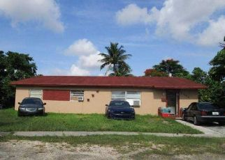 Foreclosed Home in Miami 33175 SW 123RD AVE - Property ID: 4445809826