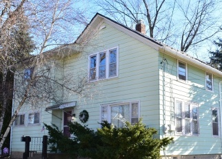 Foreclosed Home in Waukesha 53186 W WABASH AVE - Property ID: 4445889977
