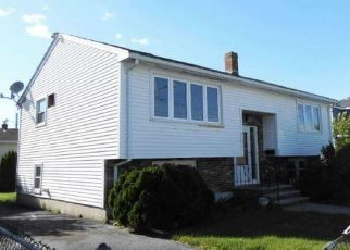 Foreclosed Home in Revere 02151 TEMPLE ST - Property ID: 4445923697