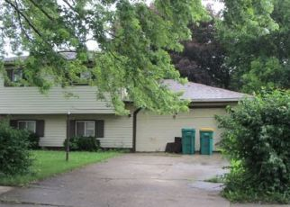 Foreclosed Home in Merrillville 46410 W 75TH AVE - Property ID: 4446031882