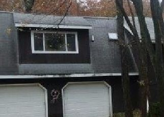 Foreclosed Home in Lowell 46356 VASA TER - Property ID: 4446066469