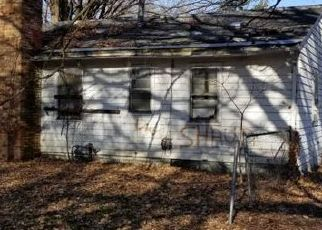 Foreclosed Home in Peoria 61605 W HOWETT ST - Property ID: 4446082231