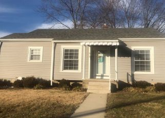 Foreclosed Home in Seymour 47274 W 7TH ST - Property ID: 4446148364