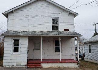 Foreclosed Home in Roanoke 24013 PENMAR AVE SE - Property ID: 4446183406