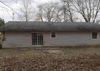 Foreclosed Home in Morgantown 26508 CHEROKEE DR - Property ID: 4446213637