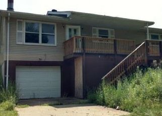 Foreclosed Home in Fieldon 62031 S 2ND ST - Property ID: 4446337129
