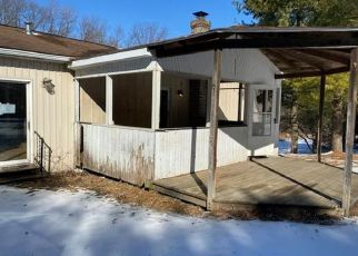 Foreclosed Home in Slatington 18080 BEST STATION RD - Property ID: 4446372617