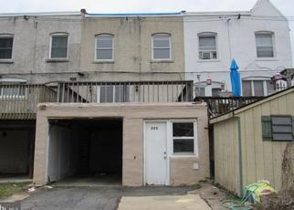 Foreclosed Home in Lansdowne 19050 N MAPLE AVE - Property ID: 4446409400