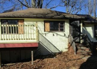 Foreclosed Home in Worcester 01606 MORGAN ST - Property ID: 4446430424