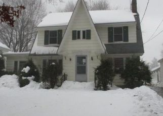 Foreclosed Home in Gloversville 12078 1ST AVE - Property ID: 4446433942