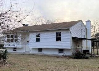 Foreclosed Home in Medford 11763 MIDDLE ISLAND RD - Property ID: 4446468533