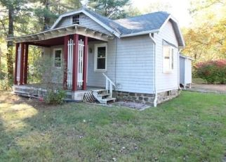 Foreclosed Home in Prospect 06712 SUMMIT RD - Property ID: 4446480352