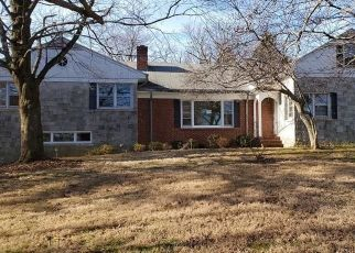 Foreclosed Home in North Haven 06473 KINGS HWY - Property ID: 4446485612